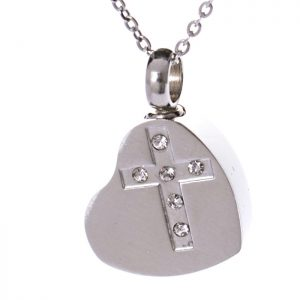Kreuz im Herz